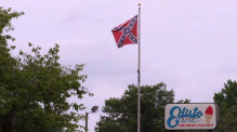 170624074001-owner-cant-remove-confederate-flag-super-169