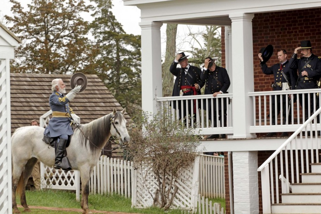 An actor playing General Robert E. Lee following the re-enactment of his surrender to General Ulysses S. Grant. (© JAY PAUL/Reuters/Corbis)