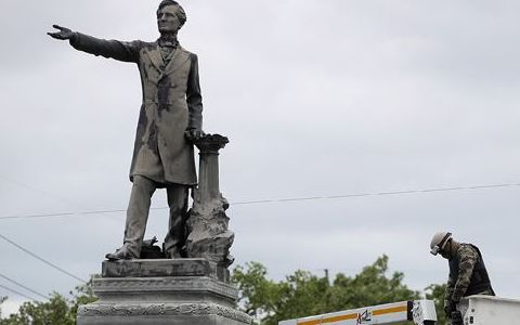 What Got Left Out of Confederate Monument Reporting