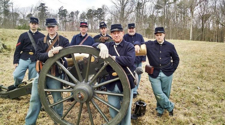 On Saturday and Sunday at the Petersburg Battlefield's Eastern Front Visitor Center, the 1st South Carolina Infantry and 3rd US Infantry will be drilling. presenting firing demonstrations and presenting programs.